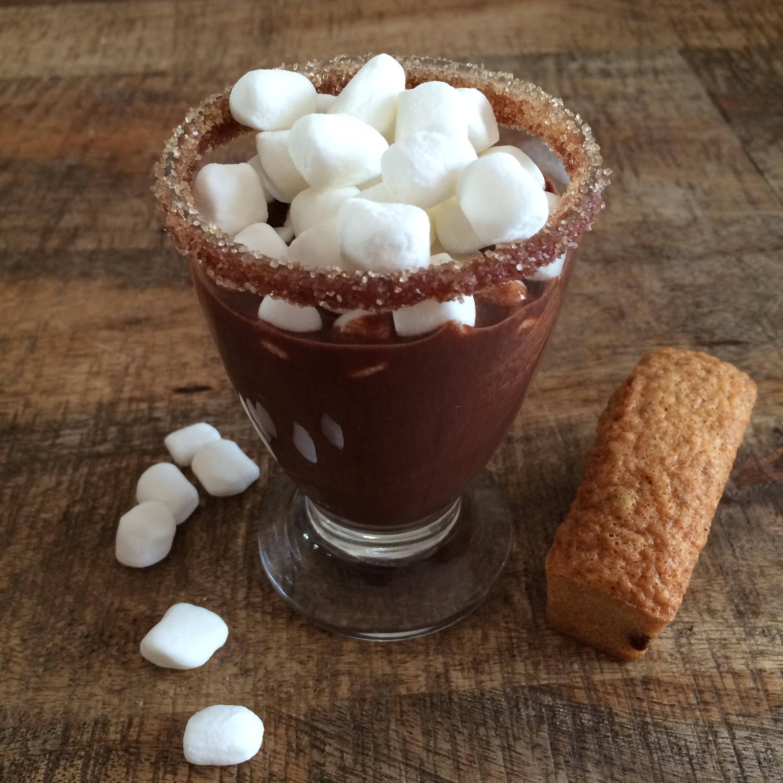Chocolat chaud à la cannelle caramélisée