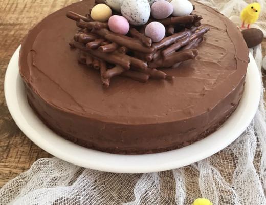 Gateau-chocolat-noisettes-Paques-(1)