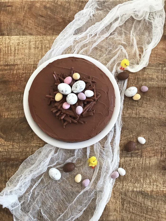 Gateau-chocolat-noisettes-Paques-(2)