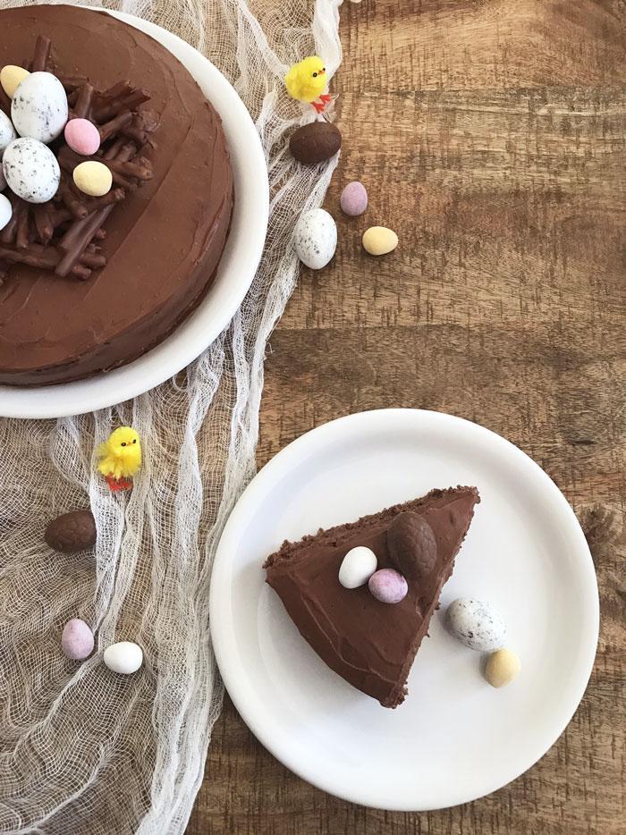Gateau-chocolat-noisettes-Paques-(7)