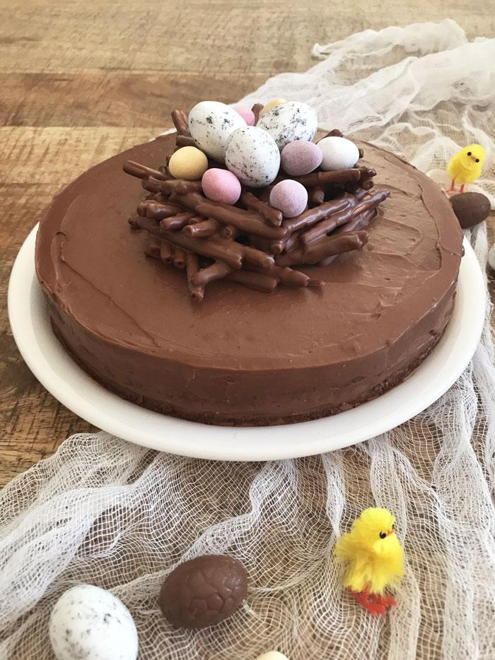 Gâteau chocolat noisettes Nid de Pâques